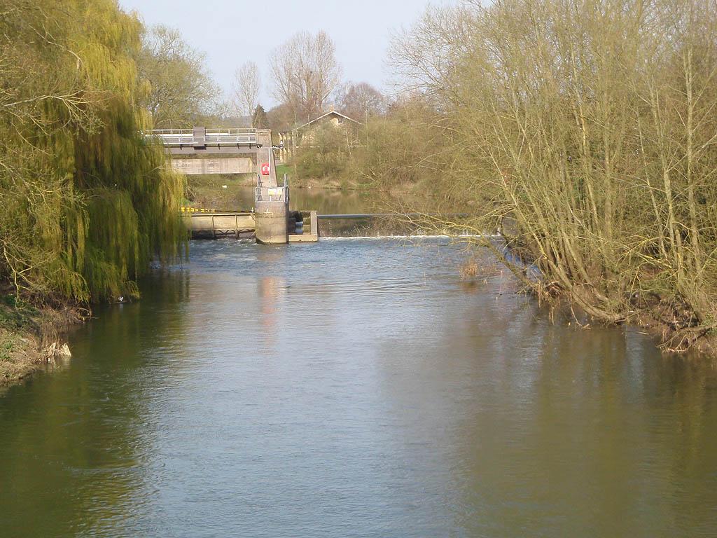 Melksham Sluice, river Avon