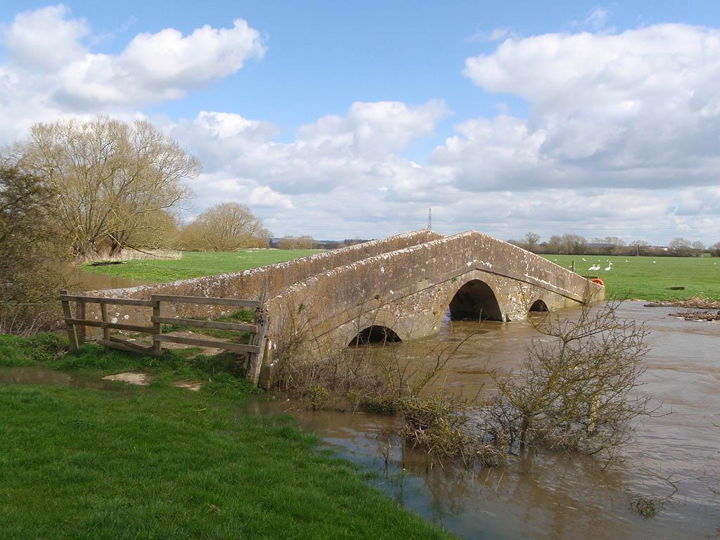 Pack Horse Bridge, River Avon in flood