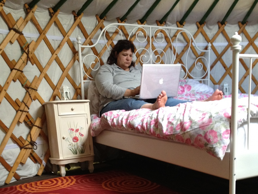 Lisa between takes at Applewood Glamping
