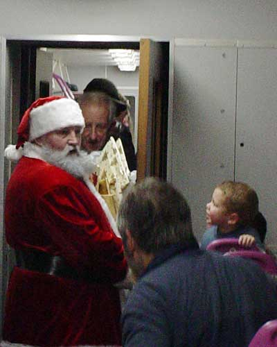 On train - Santa and Gordon