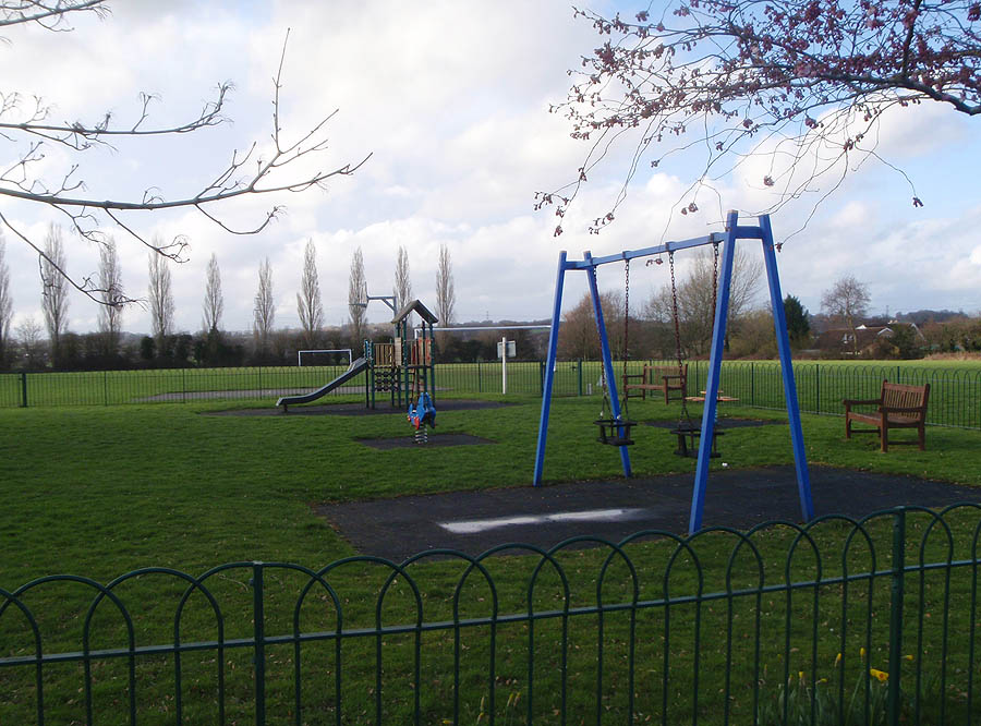 Childrens playing field, Shaw