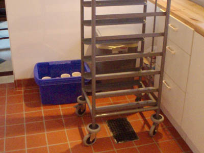 Tray Trolley clear of the door