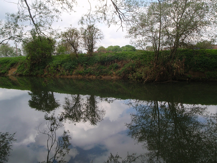River Avon, in centre of Melksham