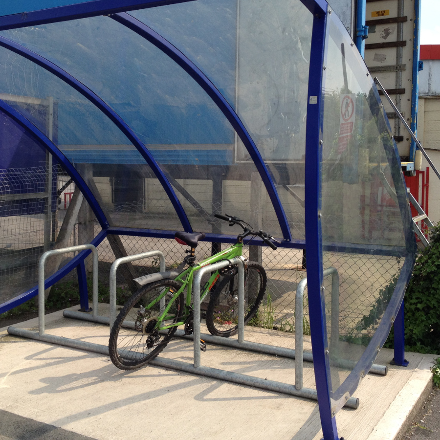 Cycle parked at Melksham Station