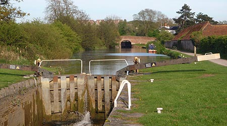 Lower down the locks at Caen Hill