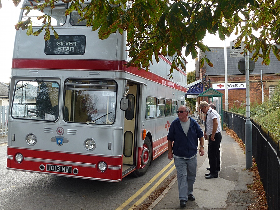 Silver Star bus at Westbury Station