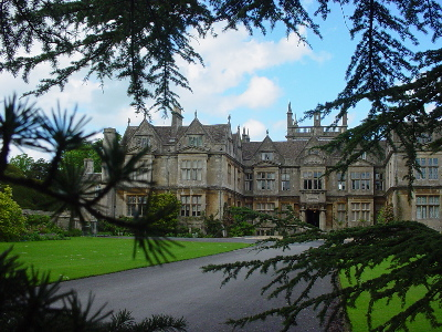 Corsham Court - the grand drive