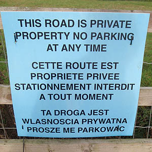 SIgn in English, French and Polish