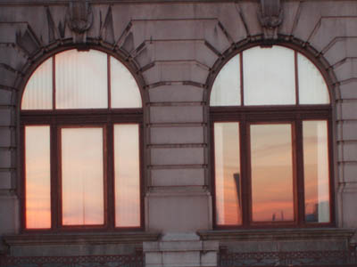 Three Graces, Liverpool - light on windows