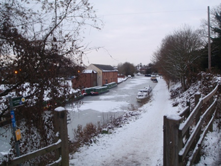 Frozen canal at Devizes