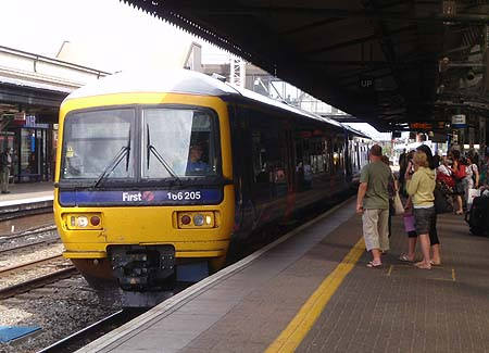 The 15:55 Malvern train at Reading