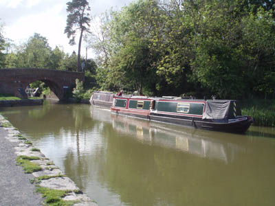 Kennet and Avon <b><a href=/share/canal.html>Canal</a></b> at Pewsey