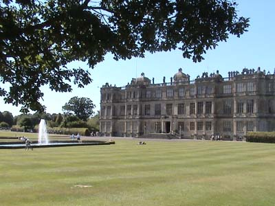 Longleat - front view of house and fountain