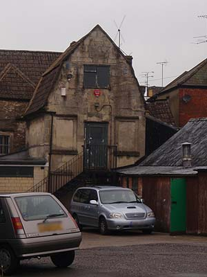 Old building neglected in Melksham