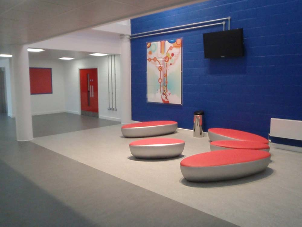 Corridor / seating - Melksham Community School
