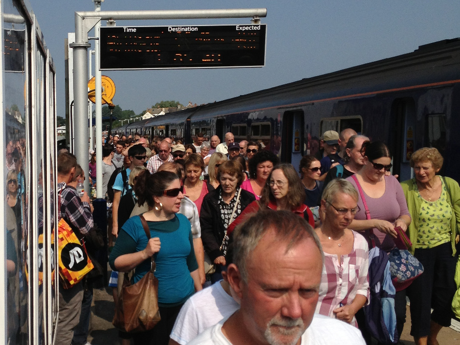 Crowds arrive at Weymouth on the train from Bristol and Swindon via Trowbridge