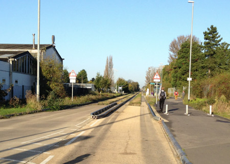 Cambridge Guided Busway at the Science Park
