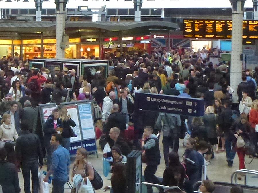 Paddington Station concourse, Bank Holiday