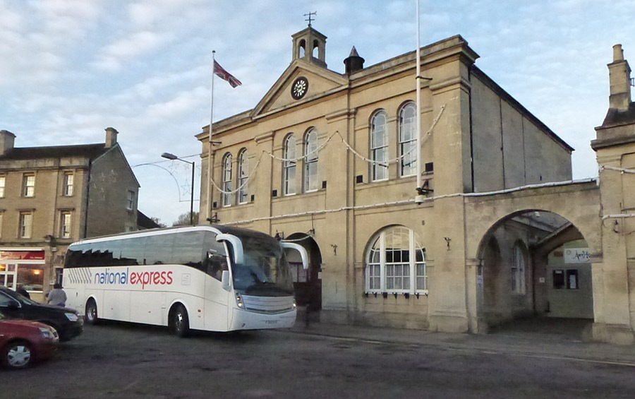London Coach at Melksham