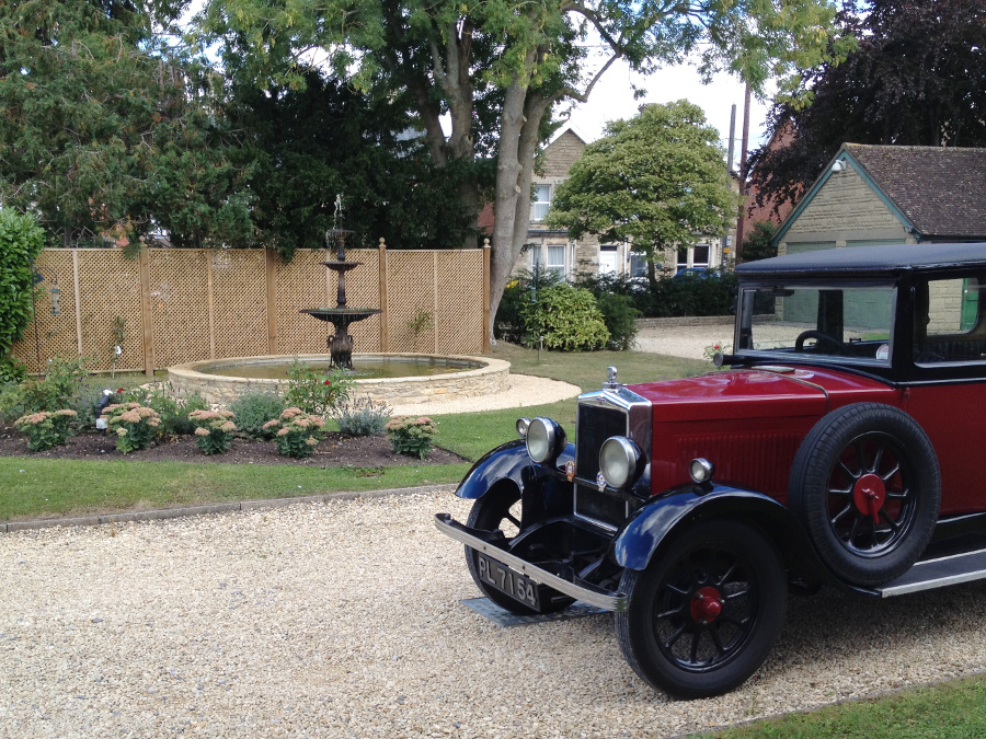 Edwardian Car at Croquet atd Pimms afternoon