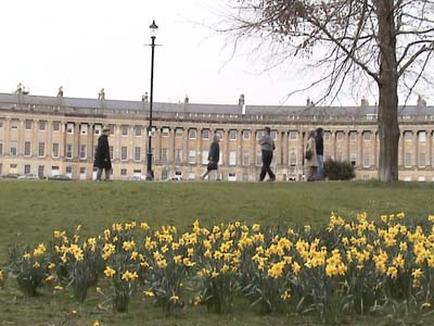 Tourists at the Royal crescent, Bath