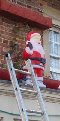 Santa and his ladder - Sells Green