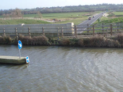 Semington Aquaduct - road and water