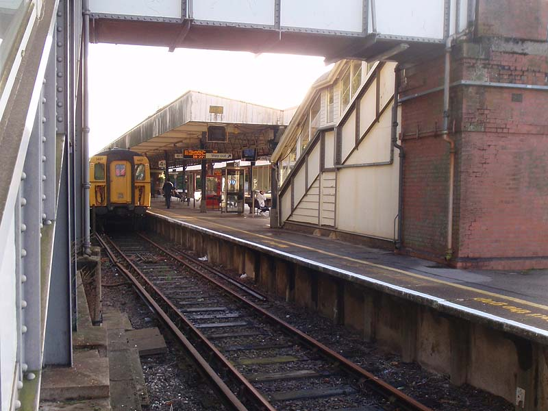 Overbridge and Lymington Platform