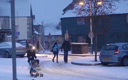 Walking around Chippenham in the snow