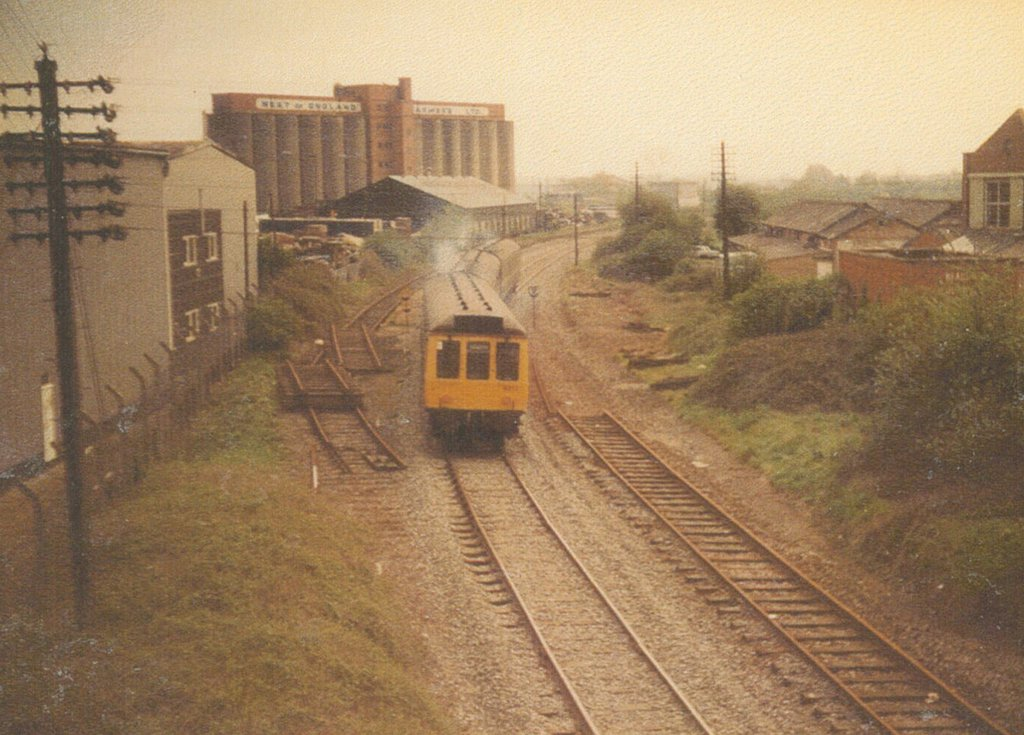 May 1985 - train leaves Melksham toward Trowbridge