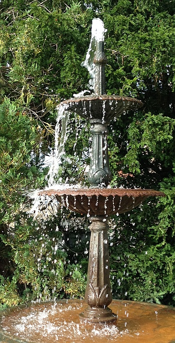 Water Feature, Well House Manor