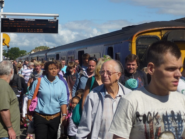 Crowds arrive at Weymouth Station