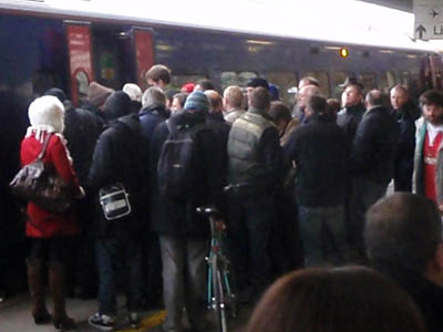 Crowds joining train