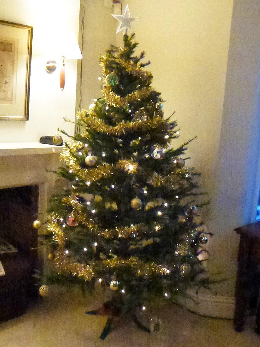 Welcoming Christmas - Tree